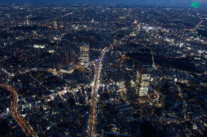 1024px-Roppongi_aerial_at_night