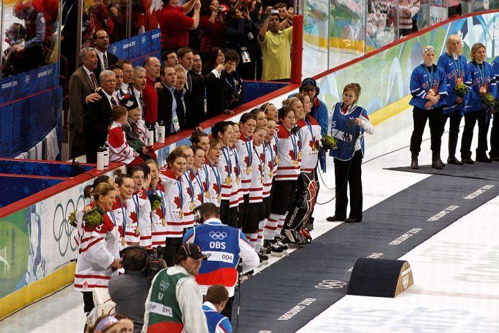 1024px-CanadaWomen2010WinterOlympics