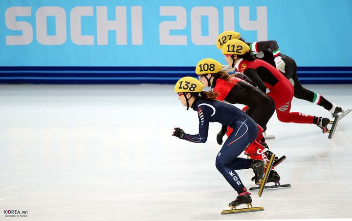 KOCIS_Korea_ShortTrack_Ladies_3000m_Gold_Sochi_06_(12629823244)