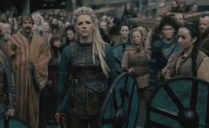 2018-03-01 14_01_55-Vikings - Lagertha Kills Aslaug [Season 4B Official Scene] (4x14) [HD] - YouTube